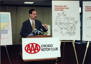Keeping the media and public informed about Chicago-area highway projects.